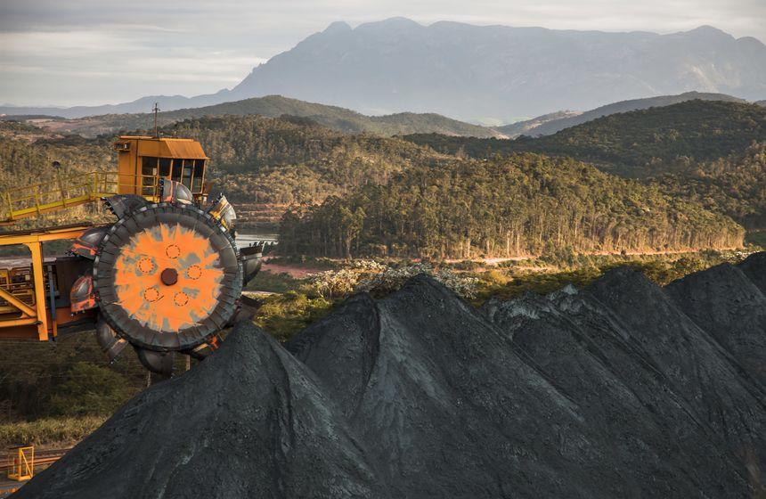Campo Grande sedia encontro sobre mineração