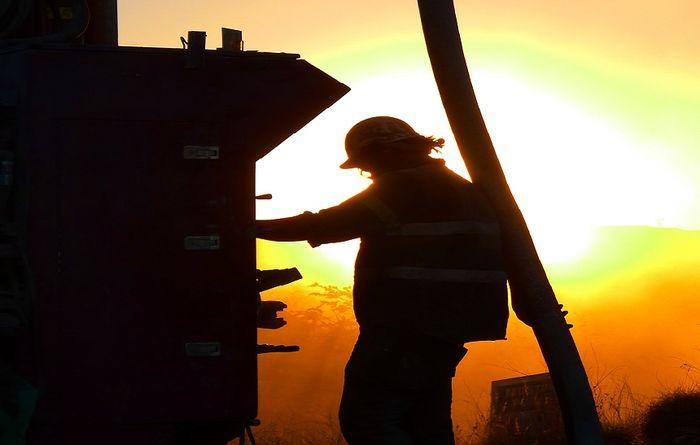Dakota Minerals powering up