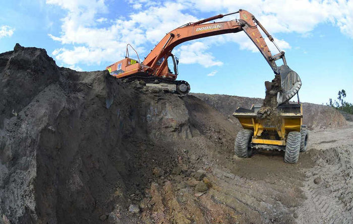 Battery mineral equities rise