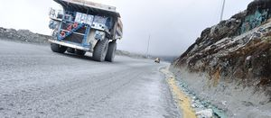 Grasberg access road shut again
