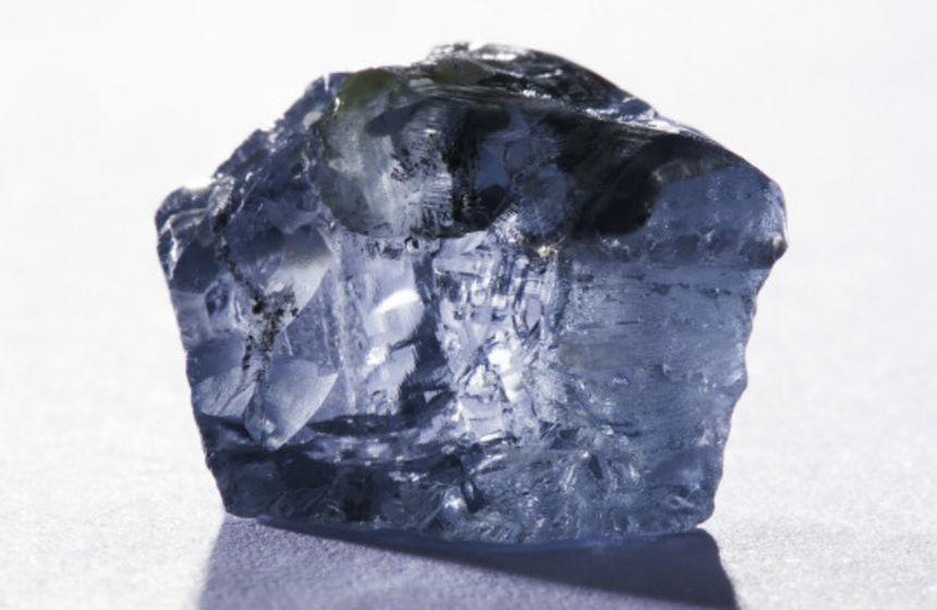 Five Star faz acordo com Hennig para venda de diamantes
