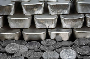 Silver surplus expected in 2017