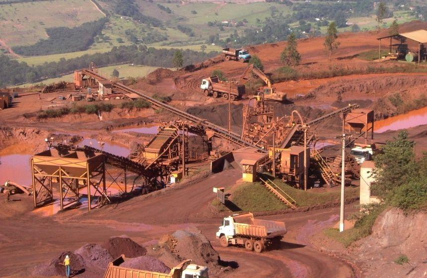 Crea promove workshop sobre panorama da mineração brasileira